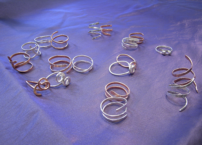 Ring van zilverdraad Kunstmakerij